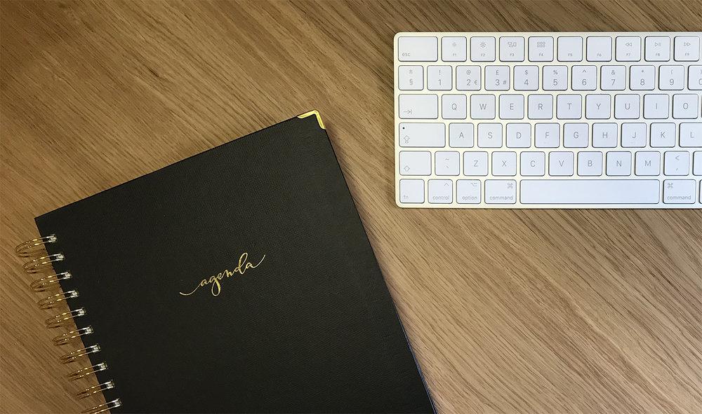 about_desk.jpg