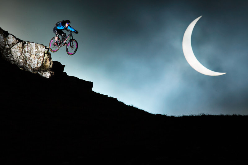 danny-macaskill-rides-the-eclipse_800.jpg