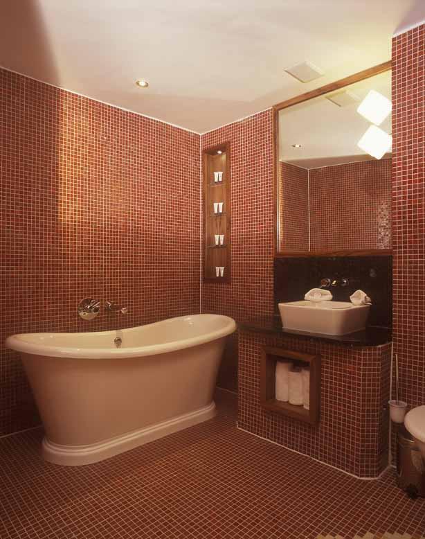 09, bath tub copy.jpg