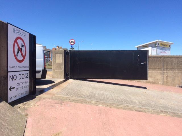1st Defence Storm Gate
