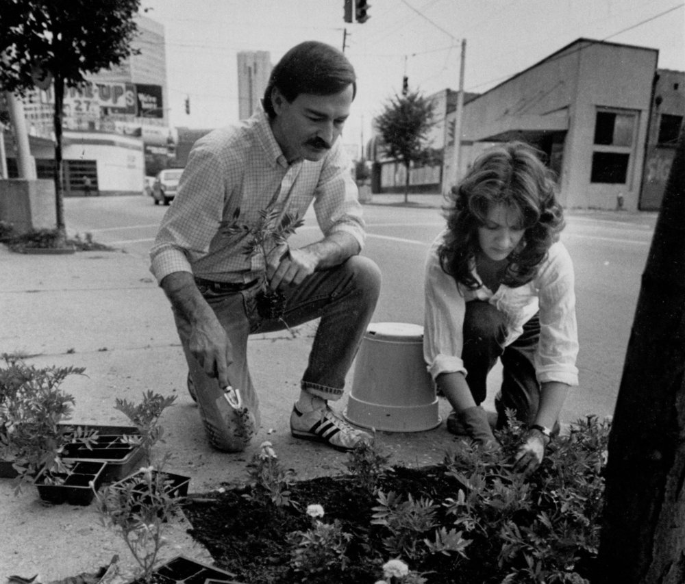 Reg_Dedmon_and_Mazie_Wiepper_planting_flowers_undated_crop.jpg