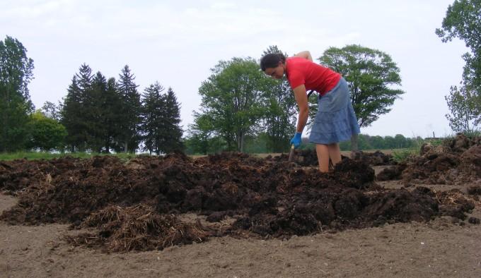 150530 spreading compost