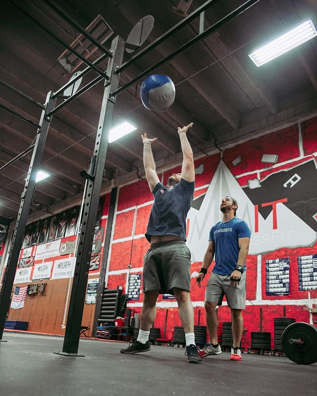 There are no shortcuts to any place worth going. One thing that we must learn in life is that there are really no short cuts to working hard and dedicating our life to achieving our dreams. _____________________________________________ 💪🏽 . #ashevillefitness #828isgreat #asheville #crossfit #consistency #crossfitgirls #weightlifting #community #workout #motivation #fitfam #powerlifting #lifestyle #reebok #avlfit #goals #summitcrossfit #betterthanyesterday #avltoday
