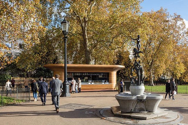 It's a perfect day for a stroll through @theroyalparks ☀️ - Photo by @lukehayes_uk - #mizzistudio #colicci #theroyalparks #greenpark #queenswalk #london #londonparks #kiosk #kioskdesign #cafe #coffee #architecture #design #architecturedesign #archdaily #londonarchitecture #londonarchitects #londondesign #designlondon #timber #oak #wood #steambending #steambent #curve #copper #wintersun #mondaymotivation