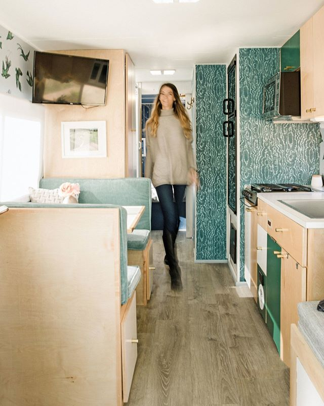 *insert your body walking through Birdie on your ah-mazing ATX vacation, living the downtown, glamping dream! ⠀⠀⠀⠀⠀⠀⠀⠀⠀ .⠀⠀⠀⠀⠀⠀⠀⠀⠀ .⠀⠀⠀⠀⠀⠀⠀⠀⠀ #dreamvacation #dreamairbnb #RVlife #RVrenovation #outdoorsy #visittexas #visitaustin #austinglamping #adventure #wonderful_places