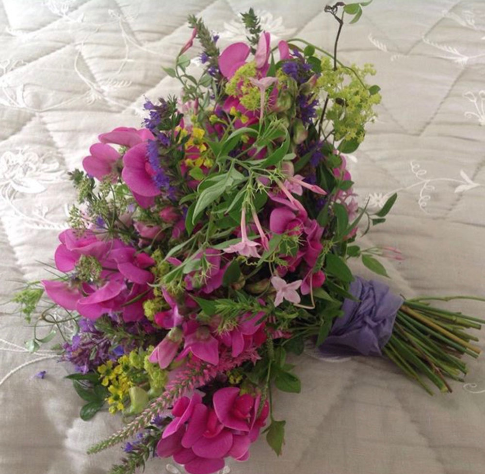 pink, mauve sweet pea tapestry bouquet