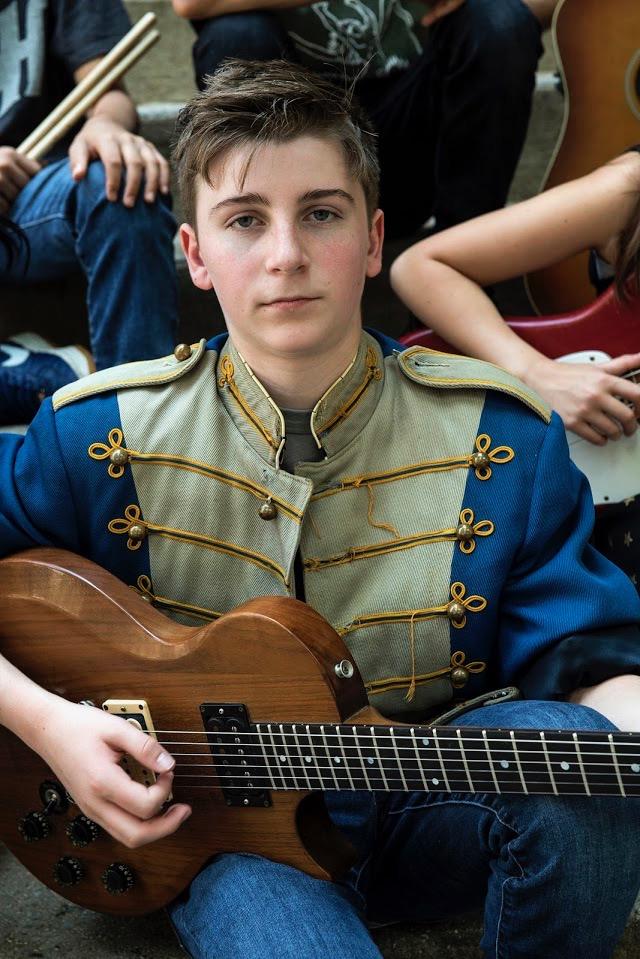 Jersey-Sullivan-guitar-steps-color.jpg