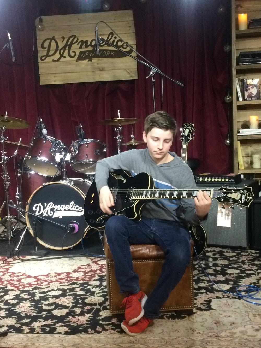 Jersey-Sullivan-DAngelicos-guitar.jpg