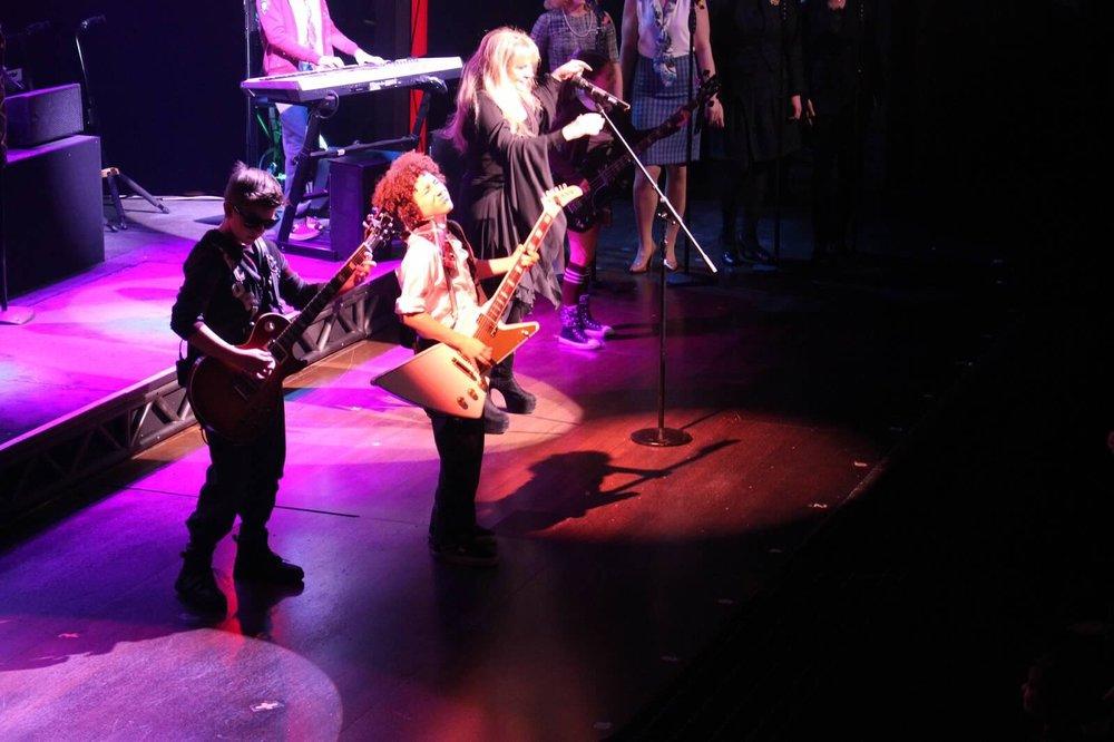 Jersey-Sullivan_Stevie-Nicks-performing-SOR_2.jpg