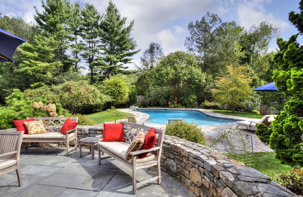 Pool-view-seating_4683.jpg