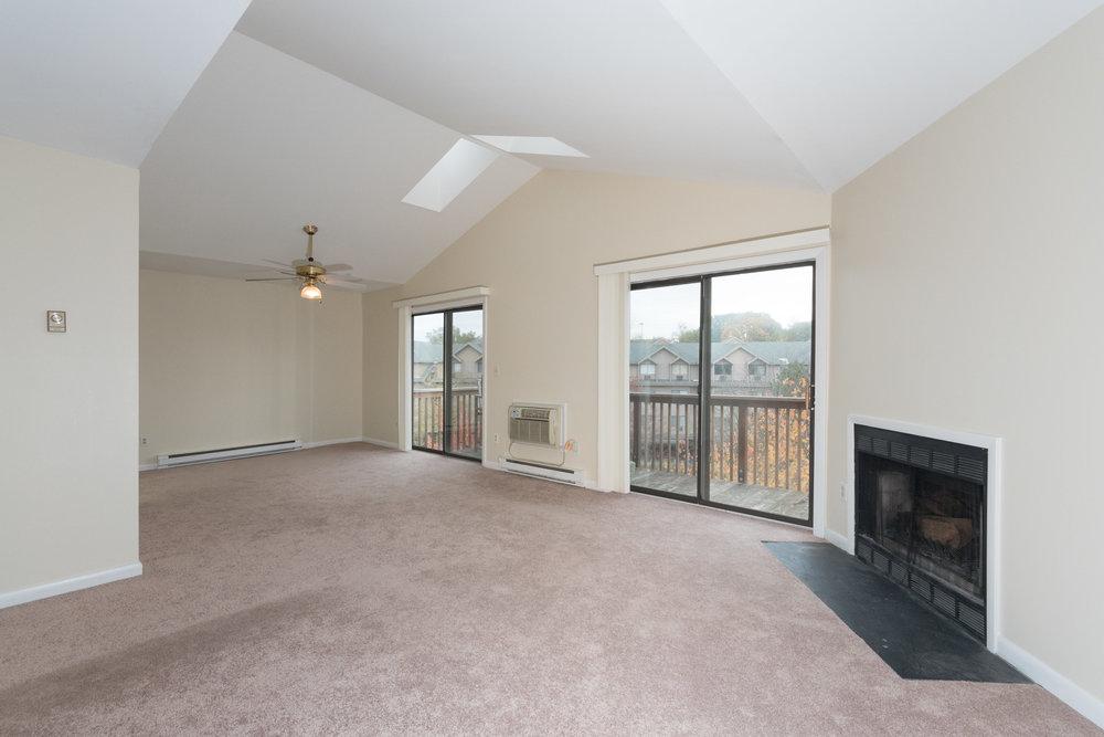 *97 Richards Ave Unit B8-LivingDining Room.jpg