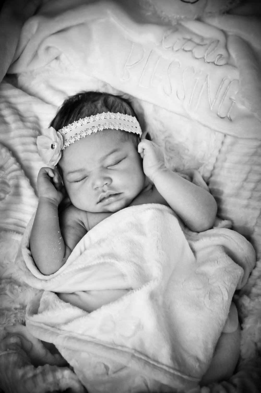 CarrieWestonStudios_CarrieAnneGonzalez_Portrait_wedding_Photography_Northport_Newborn_Isabelle17.jpg