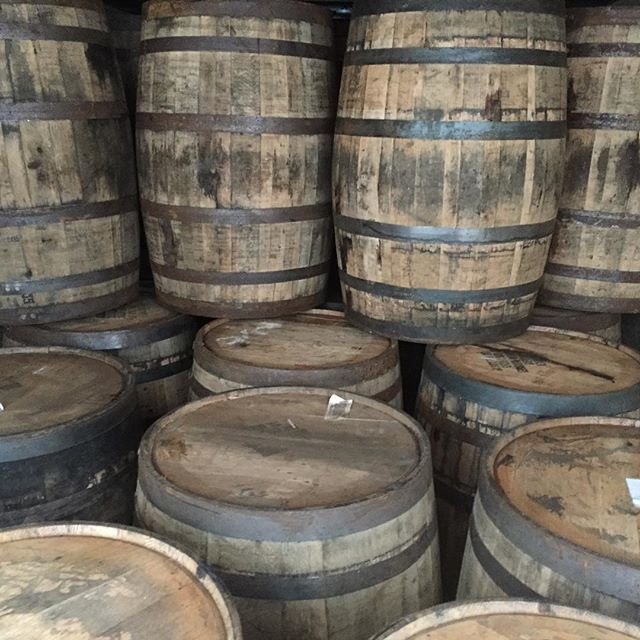 Another fresh load of bourbon and rye whiskey barrels. Fresh and ready to go. message us for more info! #bourbonbarrel #bourbon #wildturkey #ryewhiskey #barrelaged #barrelagedbeer #bourbonbarrelaged #maplesyrup