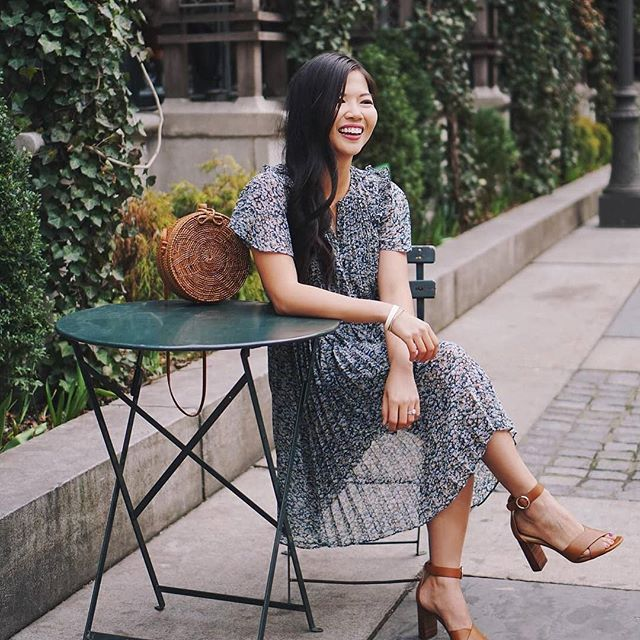 Sometimes you just need a break. Only a few more days until the long weekend...Tap to shop & get 40% off this dress with code SOREADY. . . . 📸: @skirttherules_ . . . . . #petiteave #petitefashion #petitestyle #petitegirls #shortgirls #ootd #ootdpetite #fashiongram #fashionblogger #fashionista #fashionsense #fashion #fashionideas #clothing #trendy #ontrend #instafashion #instastyle #outfitinspiration #style #styletips #stylewatch #anntaylor #memorialday #ltkunder100 #ltkunder50