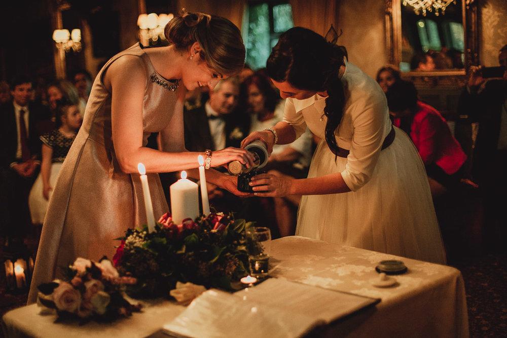 christmas wedding ideas-14.jpg