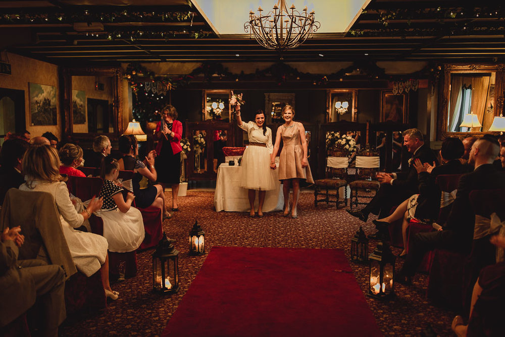 christmas wedding ideas-18.jpg