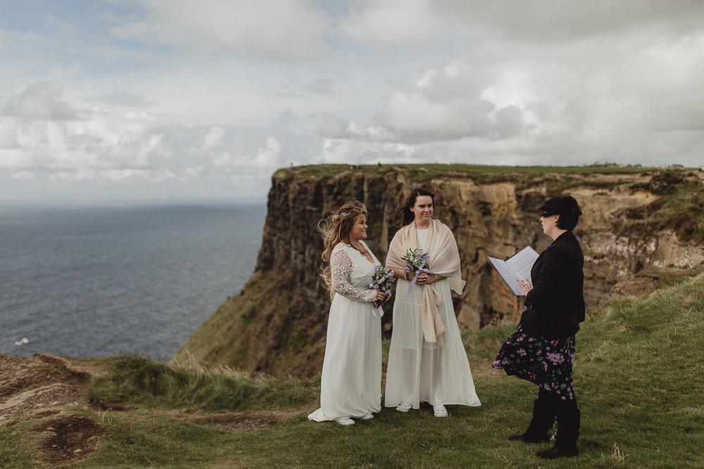 cliffs of moher wedding-3.jpg