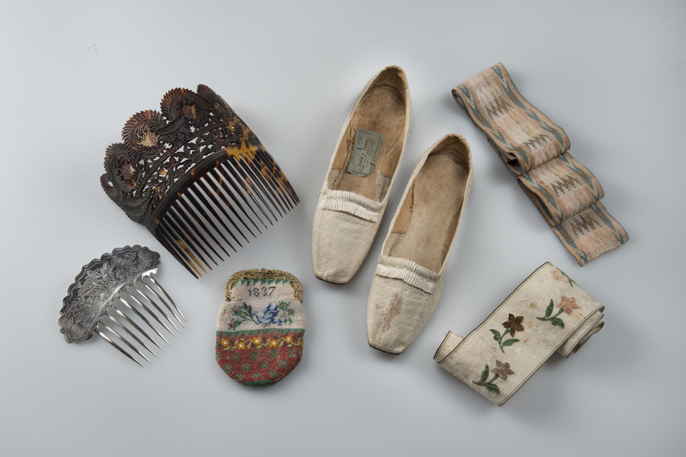 Accessories, 19th century, Old Sturbridge Village Museum Collection. Photo by Gavin Ashworth.