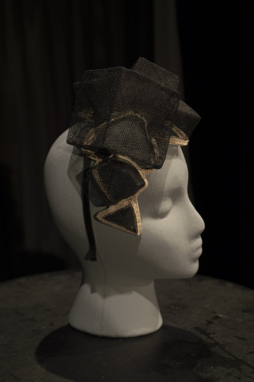 Geometric fascinator made of stiffened sinamay 40650dfbe90