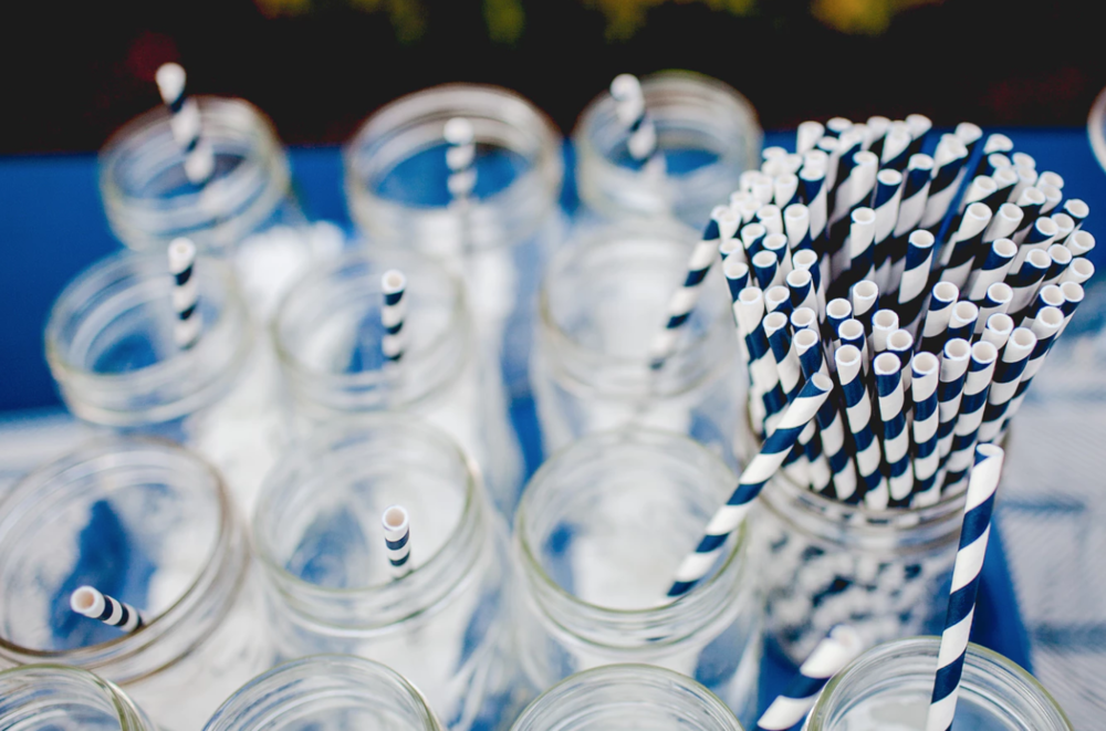 Move over plastic straws… sustainable straws are becoming more and more popular. Use paper ones, or even better: use reusable steel straws!