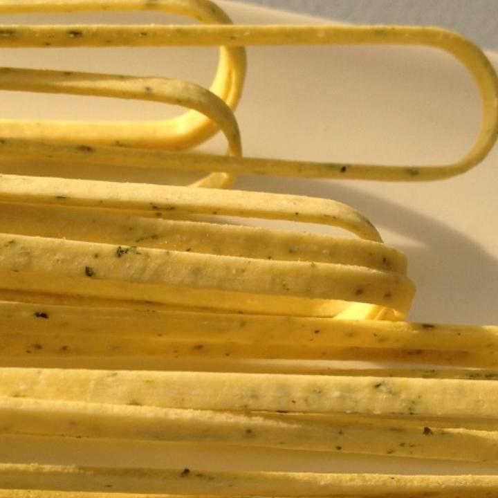 "Garlic Parsley Linguine   17"" - 3mm wide - 1.2mm thick / 10 lb. Bulk Case"