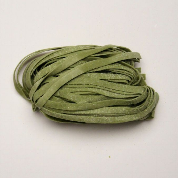 Spinach Fettuccine   10 - 1lb. gas flushed pouches / case. 4 - 4oz portions / lb. 6 mm wide - 1.25 mm thick