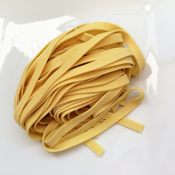 Egg Fettuccine   10 - 1lb. gas flushed pouches / case. 4 - 4oz portions / lb. 6 mm wide - 1.25 mm thick