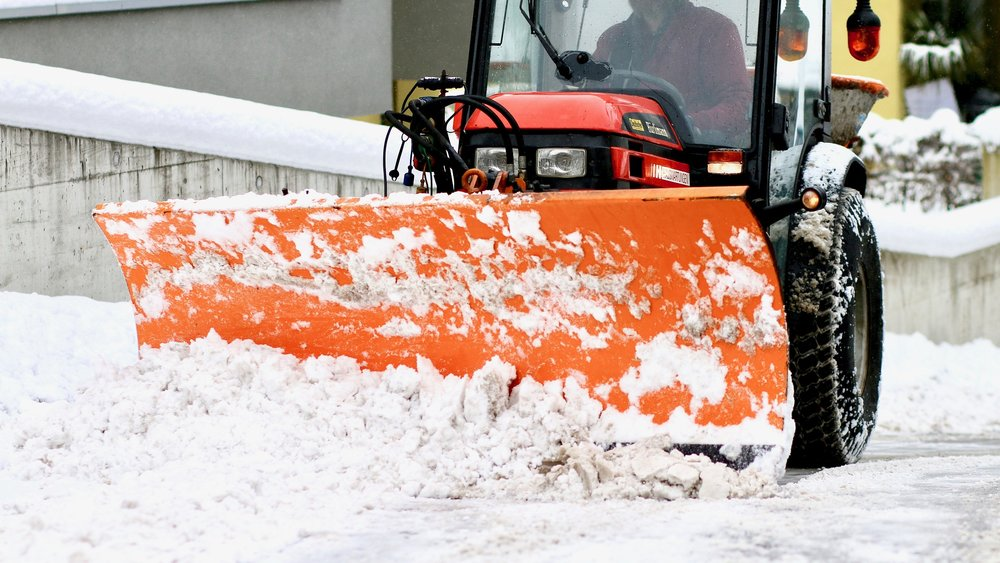 snow-plowing-1963016_1920.jpg