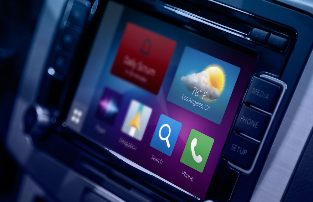 Smartphone-driven infotainment