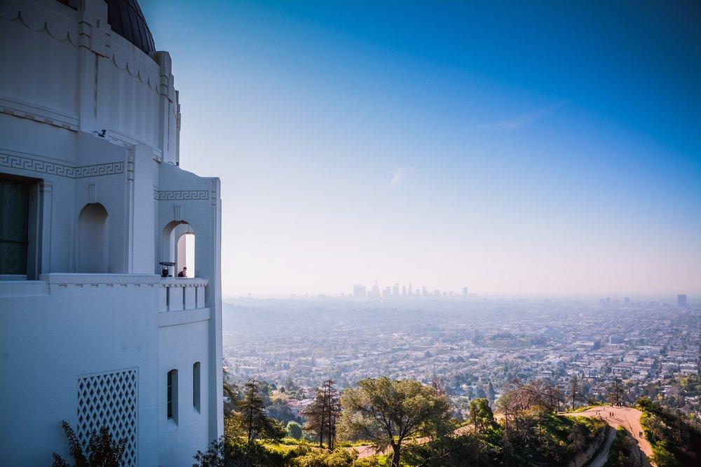Los Angeles skyline from afar.jpg