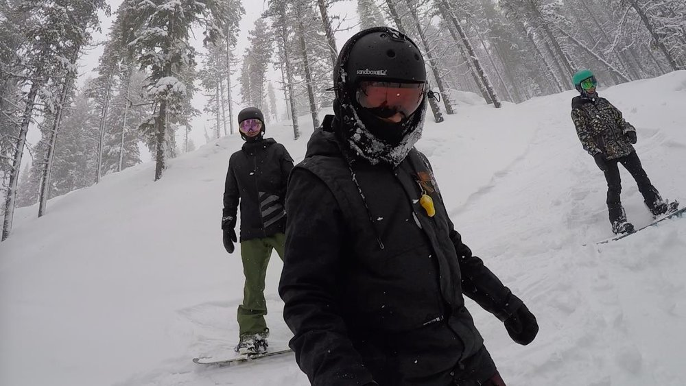 Man this photo makes me miss snowboarding!