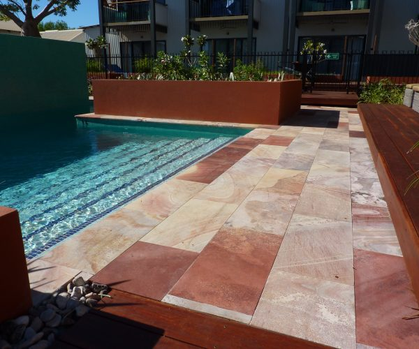 Pinctada-Resort-WAVE-Rock-Tiles-323s5sg3ke1kk30x70cr28.jpg