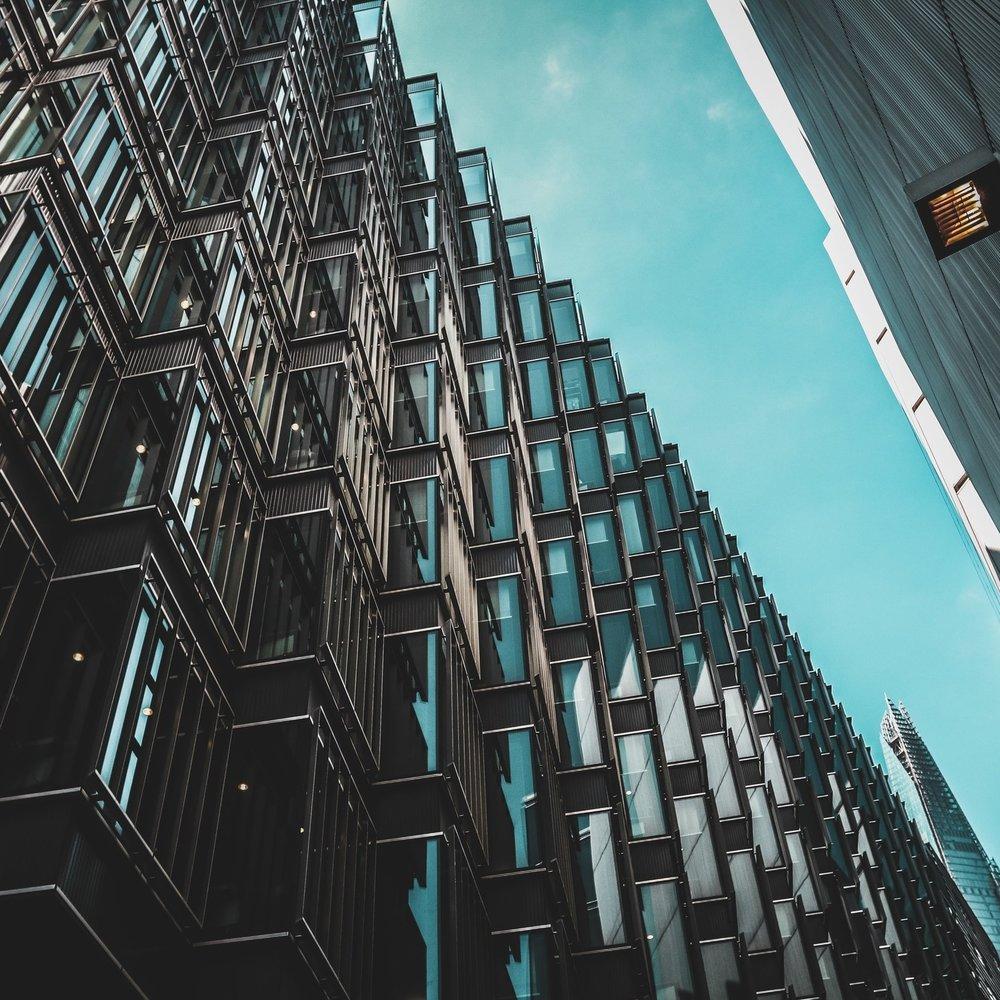 VASTGOED, OVERHEID, MILIEU - Voor vragen over vastgoed- en bouwrecht en administratief- en milieurecht.