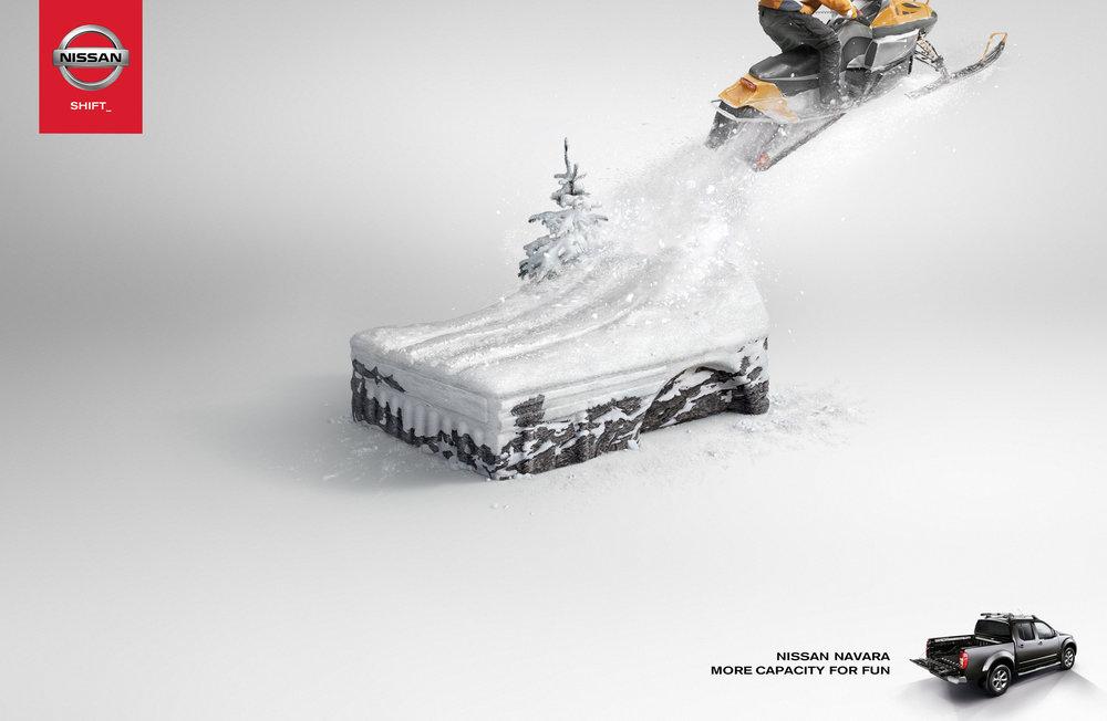 Nissan Navara_Snowmobile.jpg