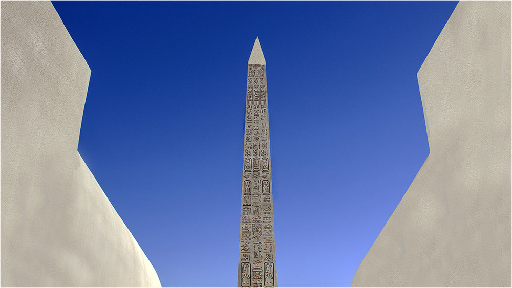 Luxor Hotel Obelisk © Neil Grimshaw