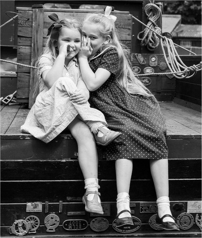 Sharing a Tale © Elaine Adkins