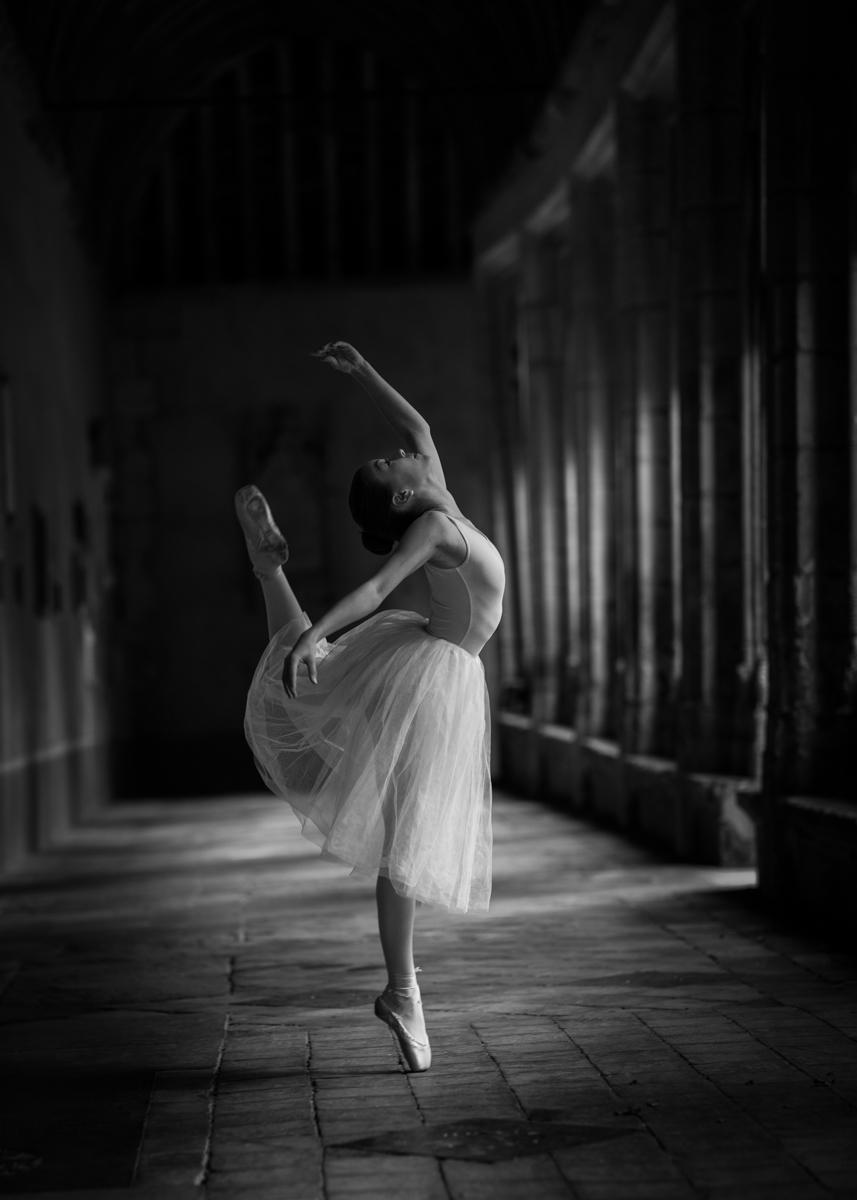 Erin on Pointe © Nicky Pascoe ARPS