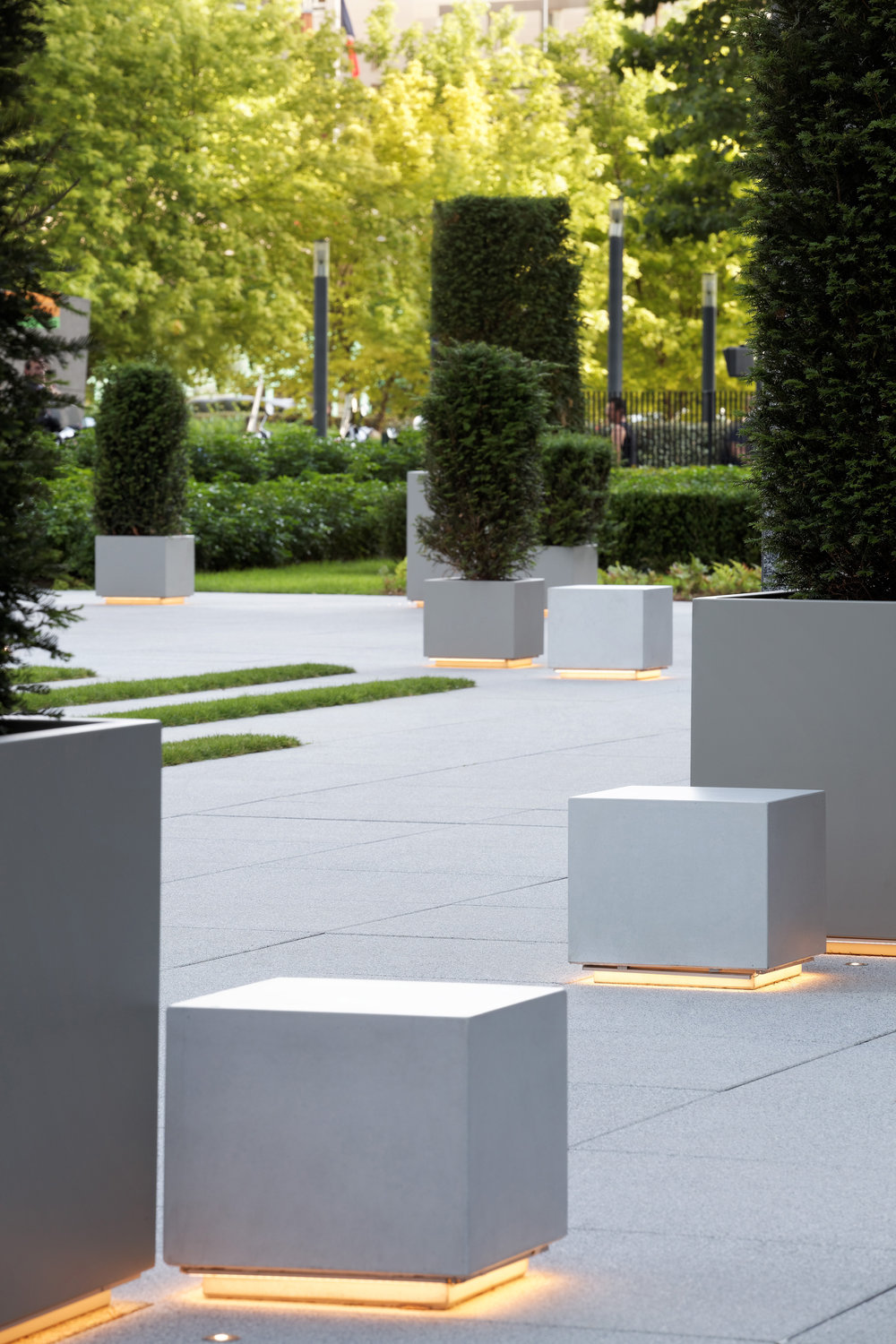 europlaza_tower_paris_la_defense_terraces_gardens_christophe_gautrand_landscape_outdoor_designer_6.jpg