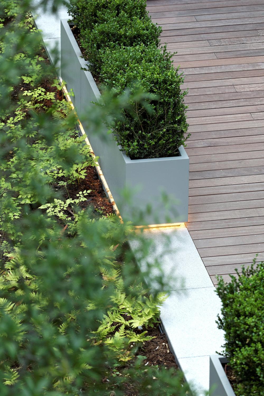 europlaza_tower_paris_la_defense_terraces_gardens_christophe_gautrand_landscape_outdoor_designer_7.jpg