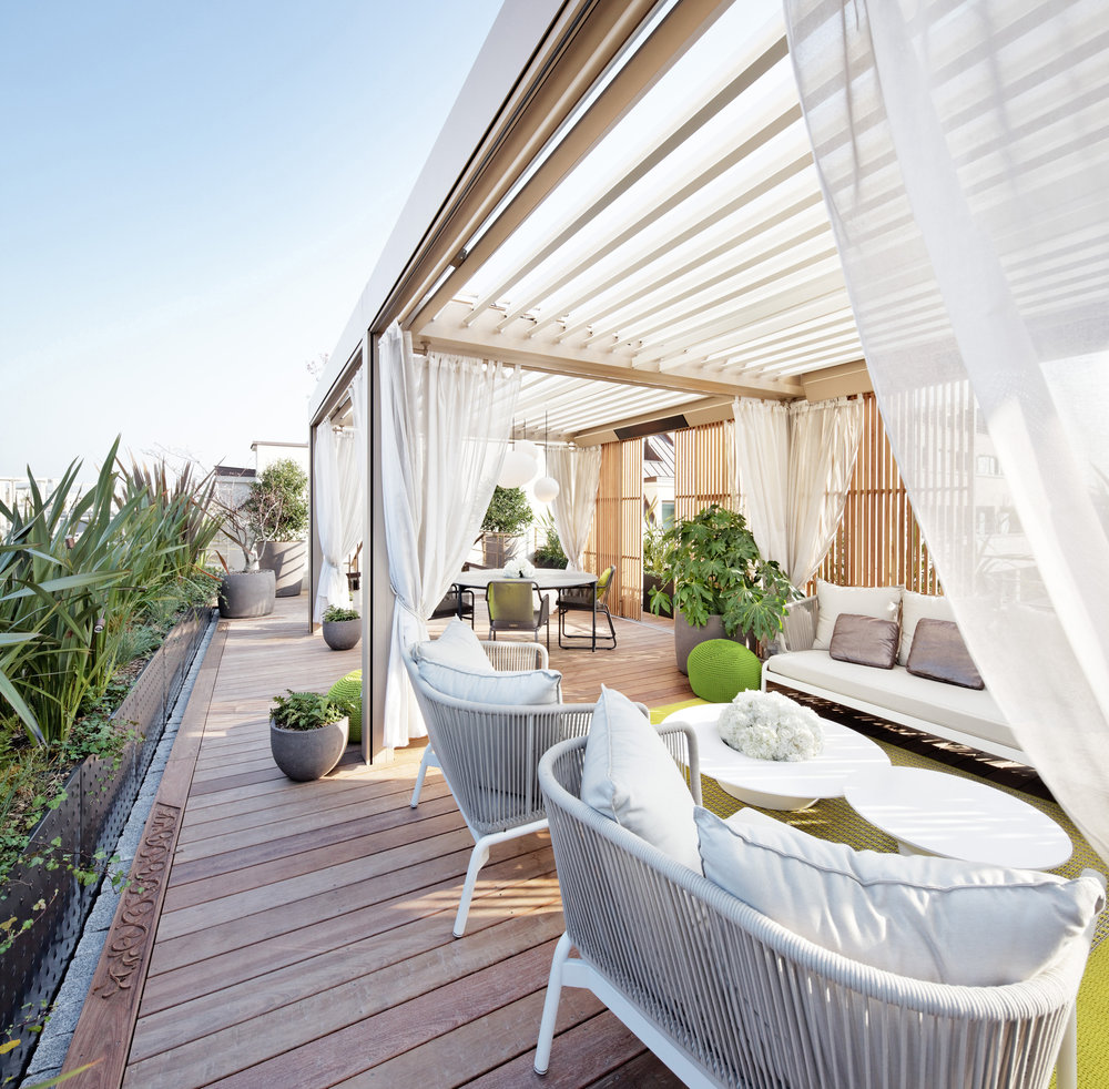 Royal Oriental Suite / Hotel Mandarin Oriental Paris   Enjoying an exceptional view of the capital monuments, the terrace of the Royal Oriental Suite presents a mix of Eastern and Parisian codes.