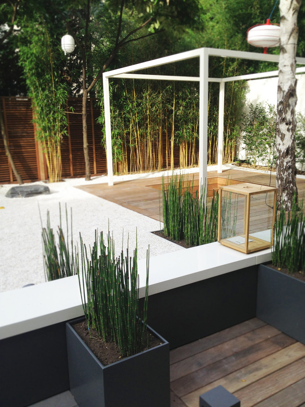 White Garden, Neuilly-sur-Seine   The Zen garden created by the Agency Christophe Gautrand & Associates is a composition, a setting, a landscape that should simply be contemplated to free oneself from everyday life.