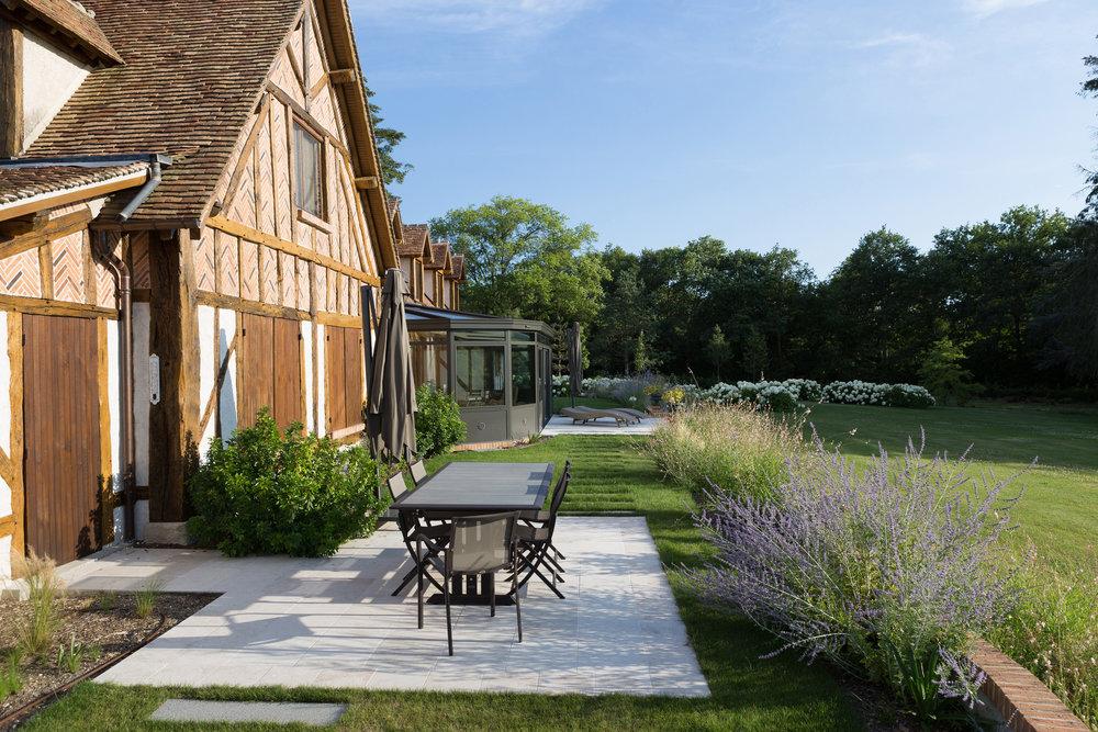 vouzon_private_garden_terraces_gardens_christophe_gautrand_landscape_outdoor_designer_7.jpg