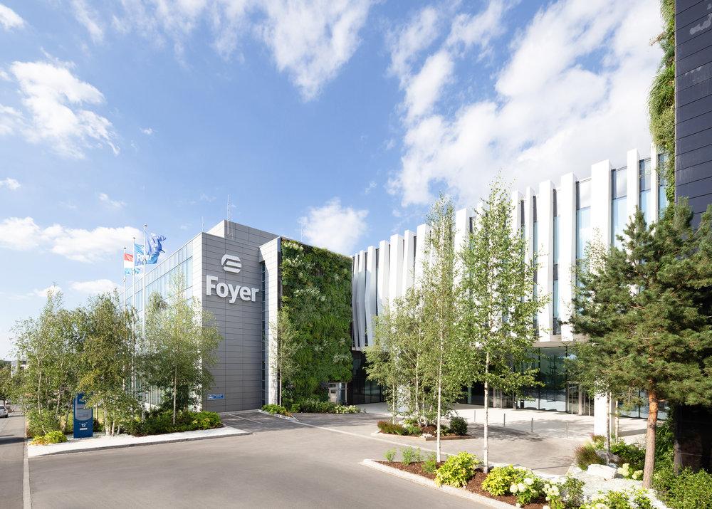 Jardins & Terrasses / Foyer Assurance SA, Luxembourg   Pour recomposer les espaces extérieurs d'environ 2000 m2 de la société Foyer SA, l'Agence Christophe Gautrand & Associés propose de faire entrer la nature au cœur des bureaux.