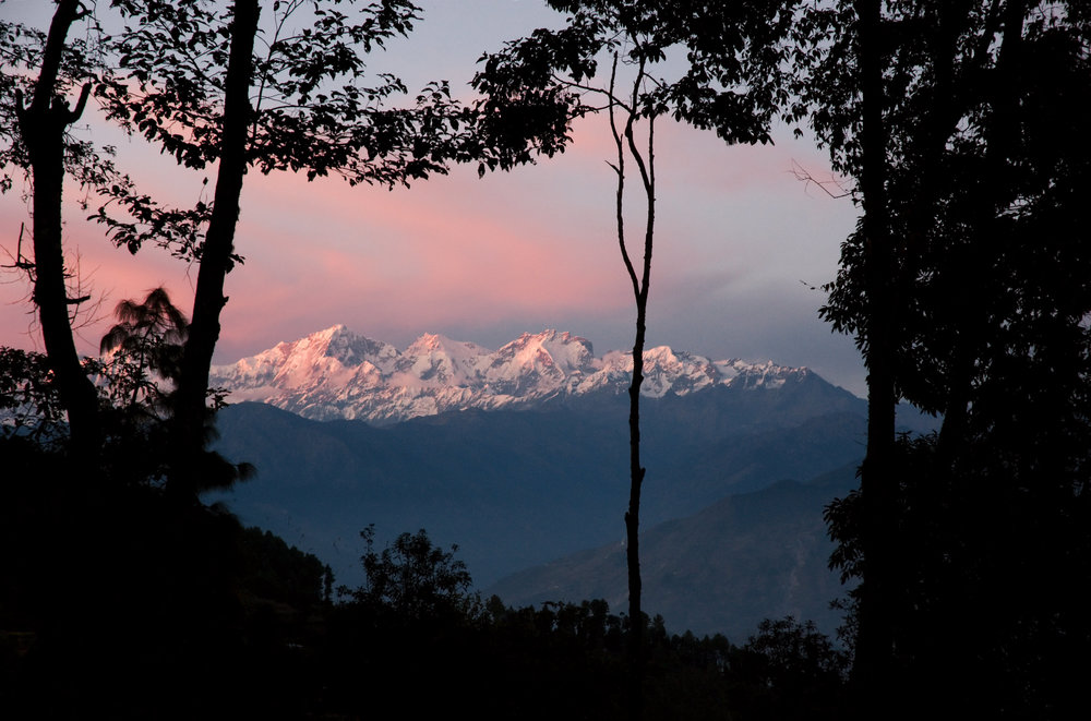 Himalaya_Mountains_seen_at_sunset_in_Kaule_Nepal wiki.jpg