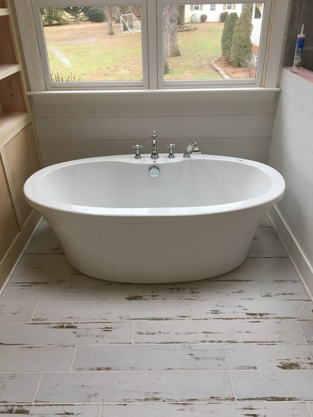 Bath Tub - Home Plumbing