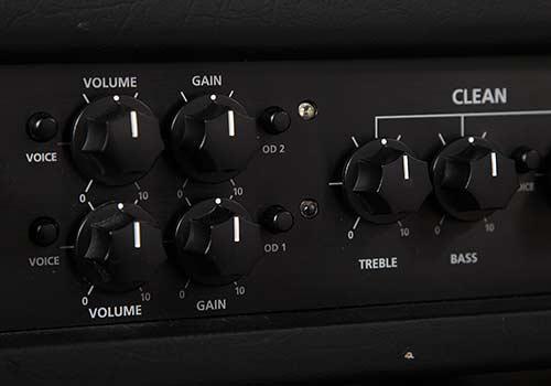 Contrôles de tonalité: ajustez les aigus et les graves   Avec le contrôle de tonalité, vous réglez la balance entre les aigus et les graves, dans un son. Un réglage bas (à gauche) donne un caractère plus chaud et plus sombre. Si vous réglez le contrôle plus haut, vous obtiendrez un son plus clair.