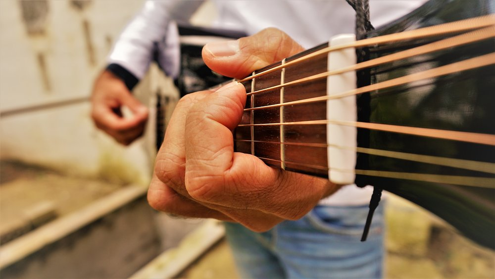 Eddi Hüneke - Gitarre Perspektive