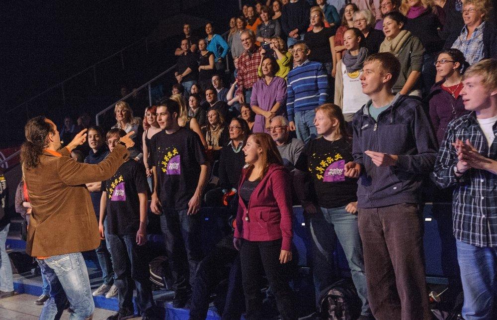 Eddi Hünekes Credo schon zu Wise-Guys-Zeiten: Jede und Jeder kann singen (lernen)