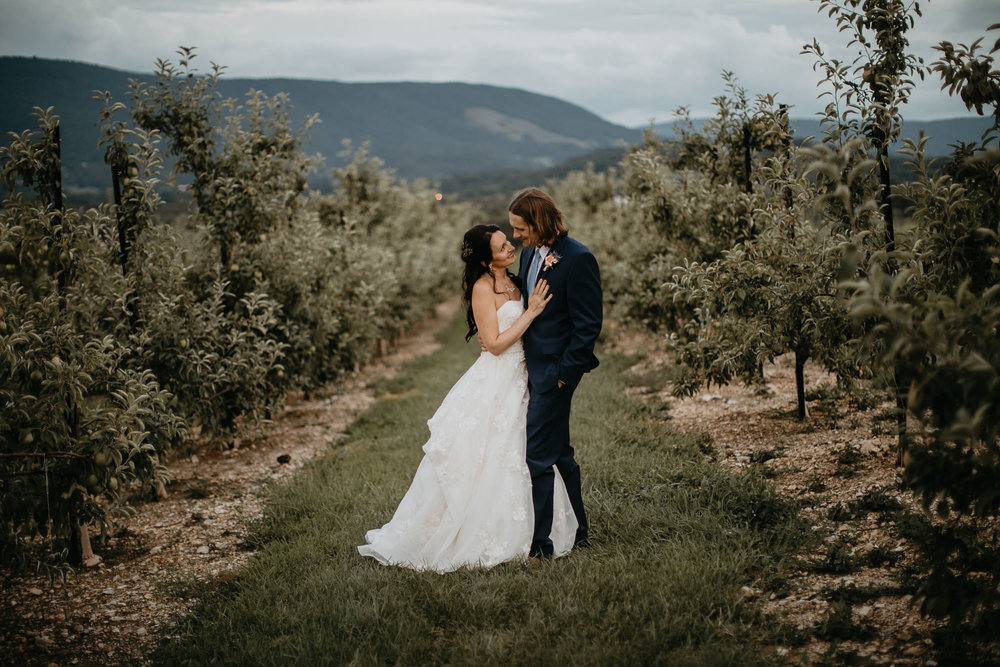 Doe Creek Farm - Weddings - Virginia - Best Wedding Photographer - Pat Cori Photography-62.jpg