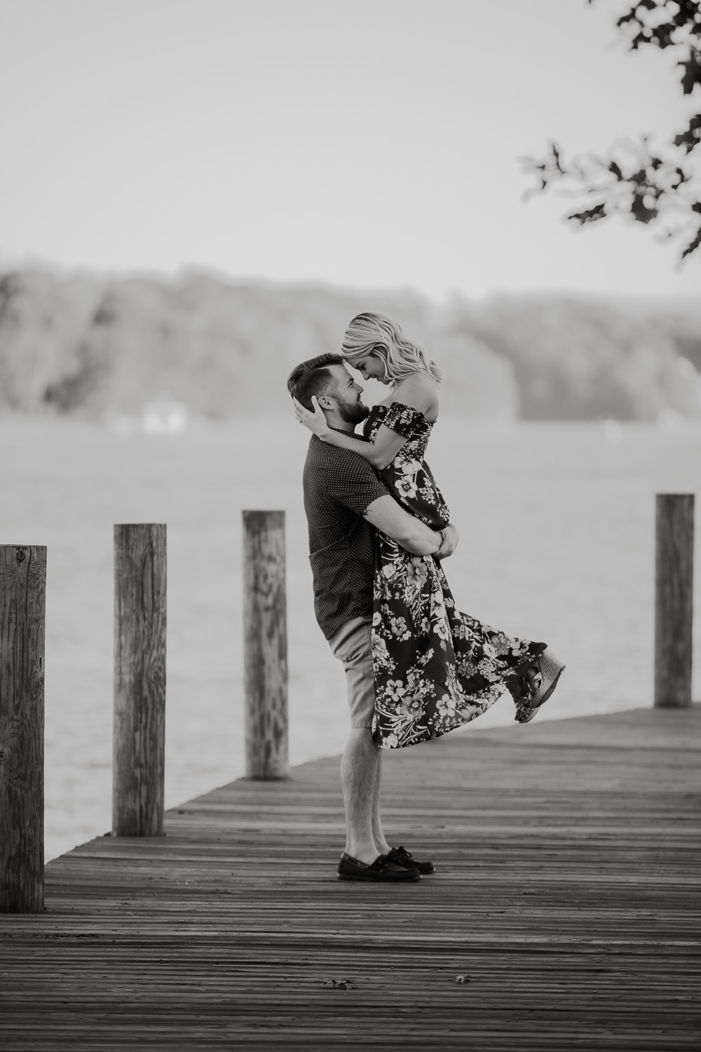 Smith Mountain Lake - Engagement - Virginia - Weddings - Wedding Photographer - Pat Cori Photography-8.jpg